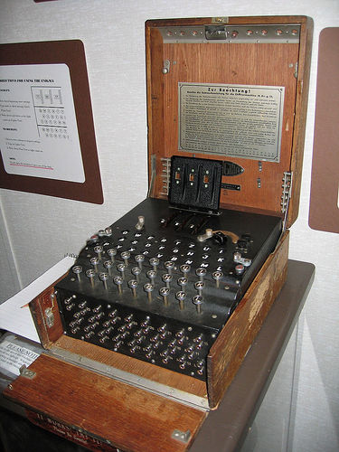 Photo of a working Enigma machine by Austin Mills (CC BY-SA 2.0)